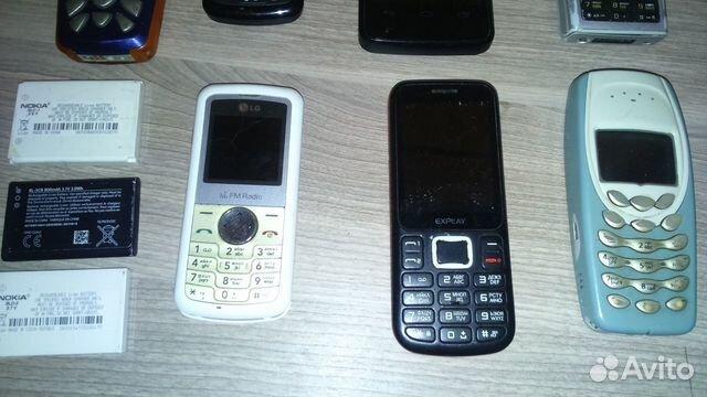 Семь сотовых телефонов на запчасти