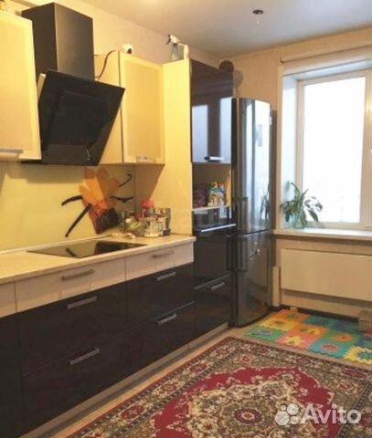 Продается двухкомнатная квартира за 3 600 000 рублей. Октябрьский, Снежиной, 49.