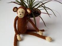 Вязаная игрушка амигуруми Обезьяна